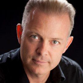 Douglas Vermeeren | VipShowcase.com