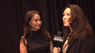 Molly Bloom (showcase) with Maria Ngo | SuccessShowcase.com