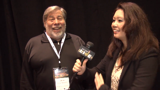 Steve Wozniak (showcase) with Maria Ngo | SuccessShowcase.com