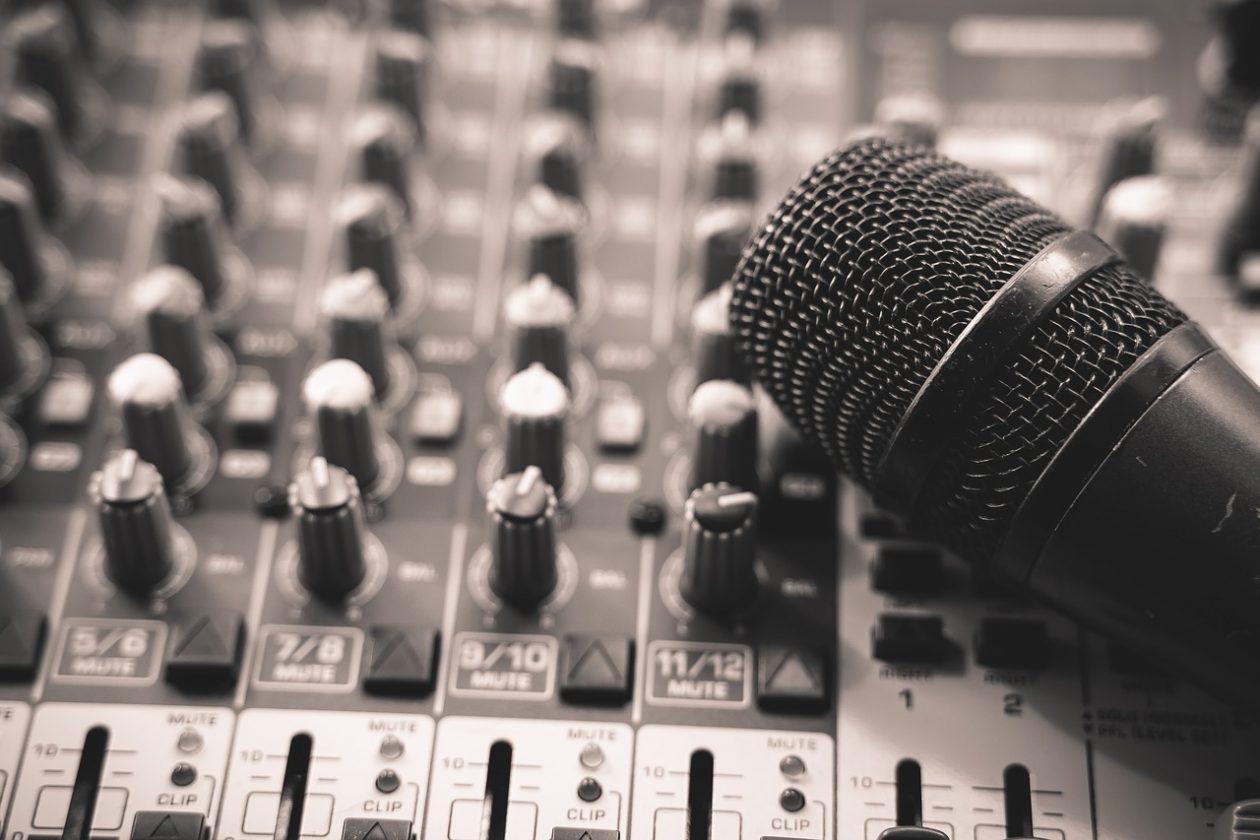 Podcast Marketing   Maria Ngo & Ray DuGray   AuthorityShowcase.com